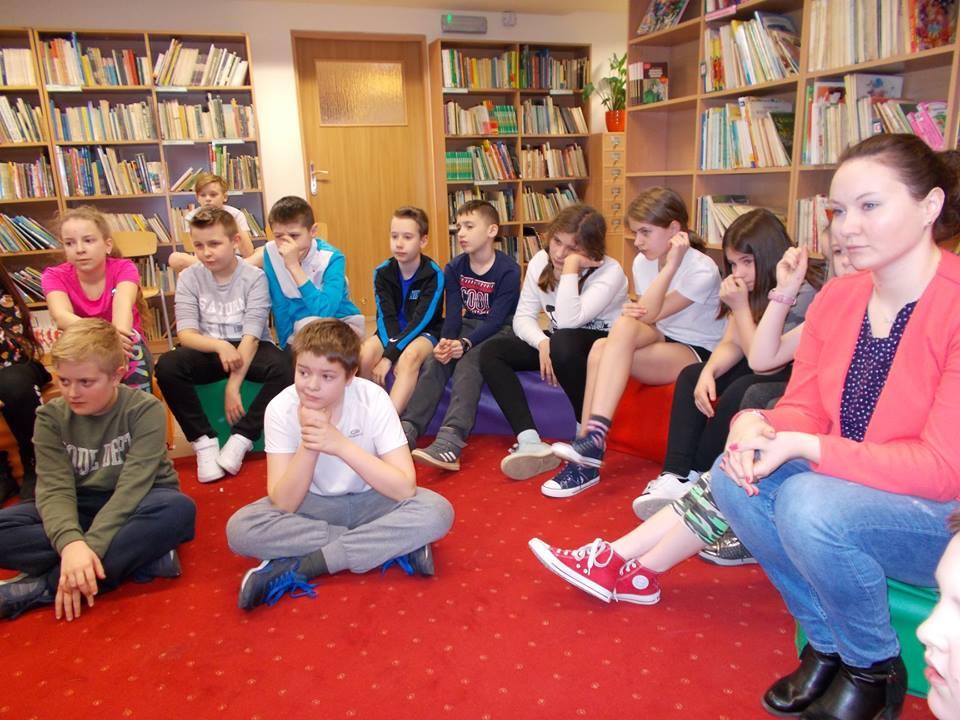 Świnoujście. Biblioteka Szkolna z okazji Światowego Dnia Sportu (fotogaleria)