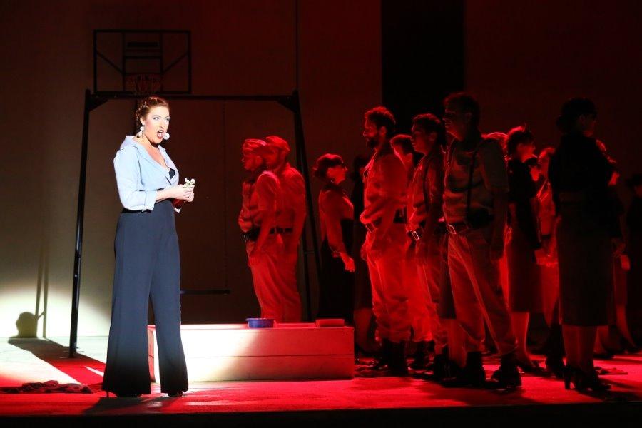 """Opera taniej! Fantastyczna współczesna """"Carmen"""" znów na scenie Opery na Zamku!"""