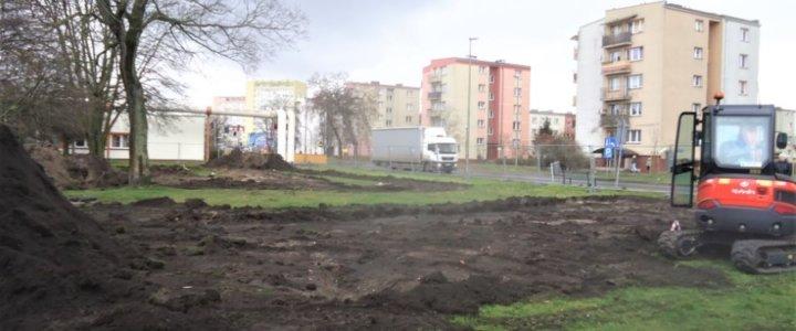 Świnoujście. Przy ulicy Grunwaldzkiej. Ruszyła budowa pumptracku.