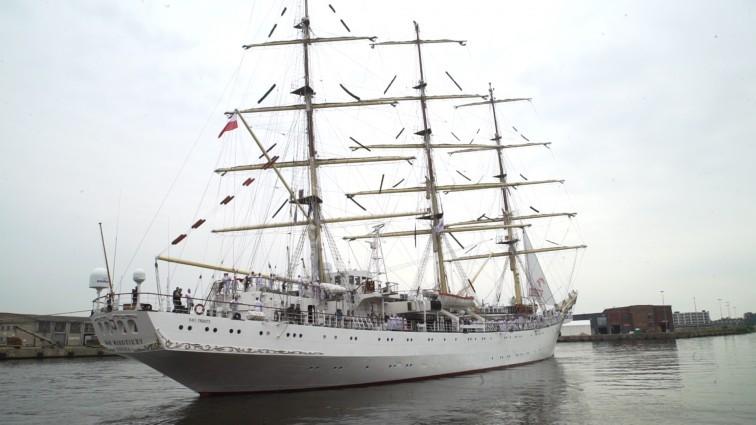 Dar Młodzieży we wtorek zawinie do Bremerhaven