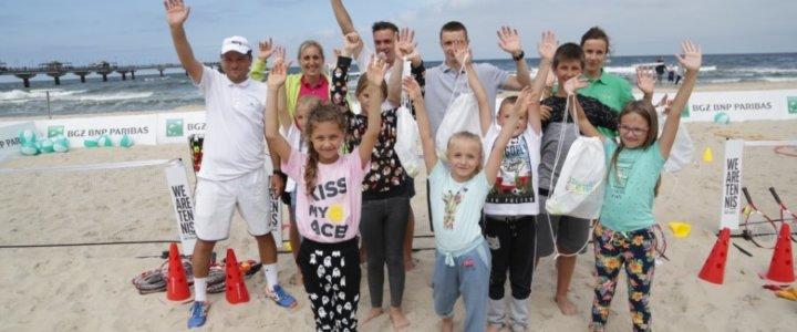 Akcja Dzieciaki do Rakiet przemierza nadmorskie kurorty