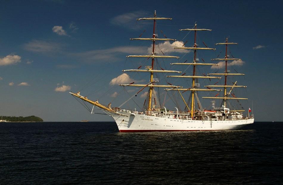 DAR MŁODZIEŻY Opuszcza Gdynię
