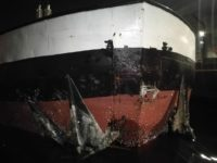 Nietypowa kolizja barki z wyspą Bielawa w Szczecinie