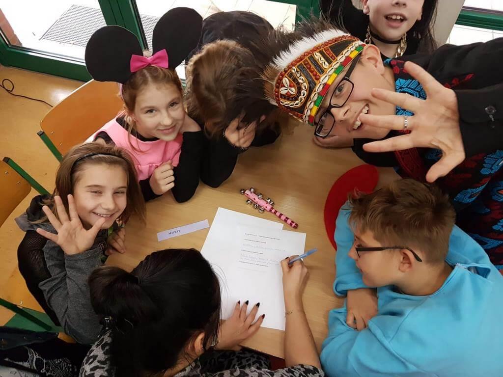 Świnoujście. Międzynarodowy Dzień Postaci z Bajek w Zespole Szkolno – Przedszkolnym