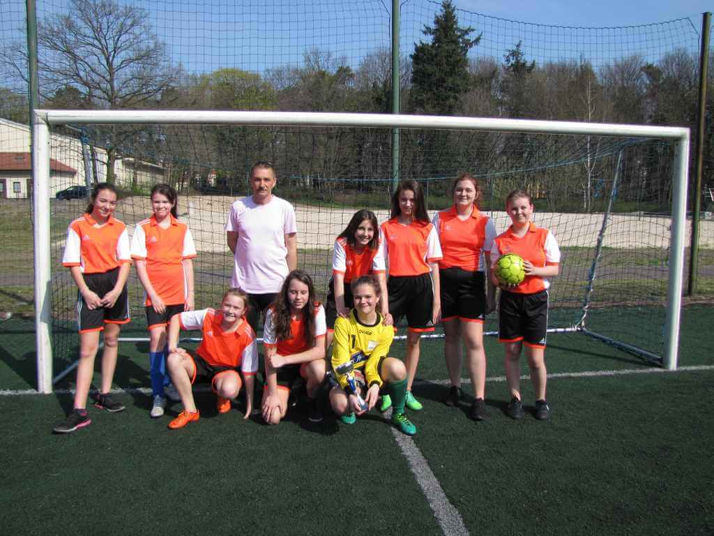 Mistrzostwa Świnoujścia w piłce nożnej dziewcząt i chłopców szkół podstawowych w ramach Igrzysk Dzieci