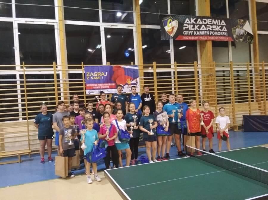 W turnieju tenisa stołowego w Kamieniu Pomorskim Świnoujścianie na podium.