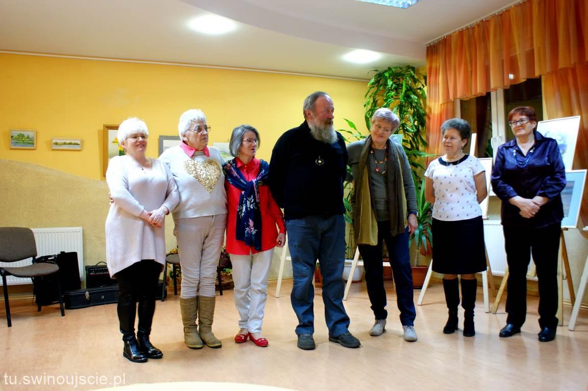 Wystawa malarstwa w MDK Warszów