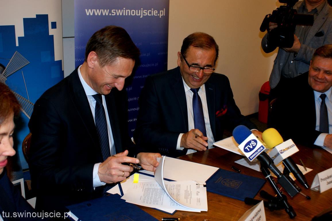 Podpisano umowy na dofinansowanie budowy przystani