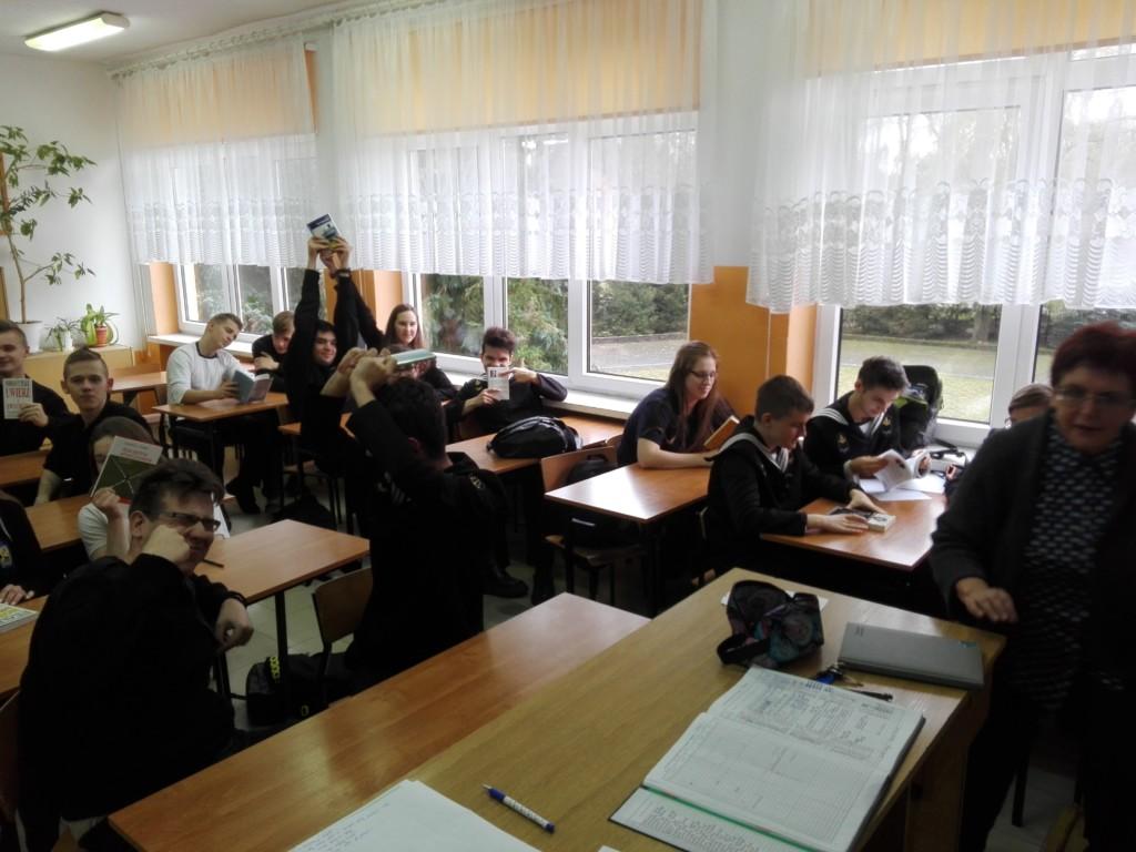 """Projekt """"Wychowanie przez czytanie"""" w klasie 2Ti w Świnoujściu"""