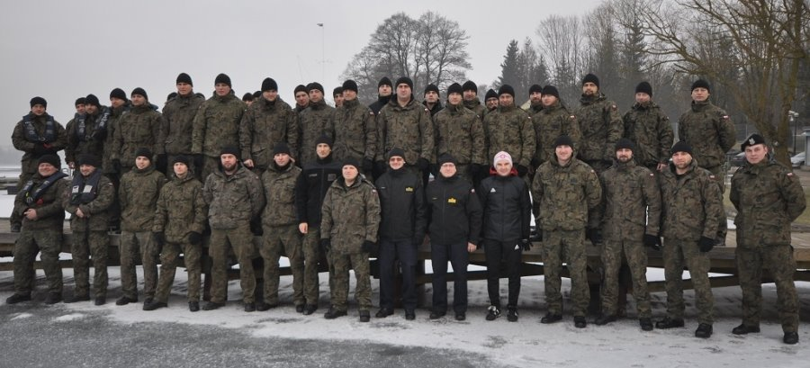 Zimowe szkolenie nurków Marynarki Wojennej