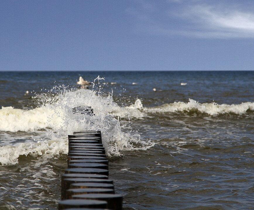 W Bałtyku przy plaży w Podczelu znaleziono trzy niewybuchy