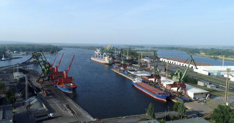Pierwsze półrocze z dwucyfrowym wzrostem w zespole portów Szczecin-Świnoujście