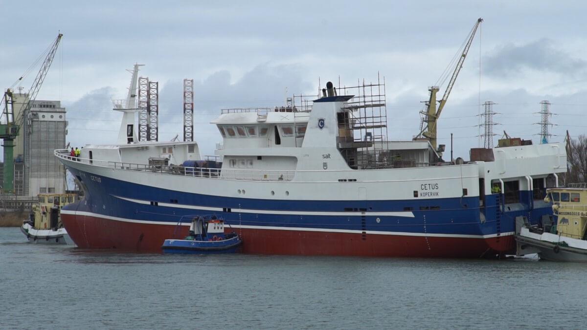 Trawler Cetus już na wodzie. Pierwsze w tym roku wodowanie w SR Nauta (foto, wideo)