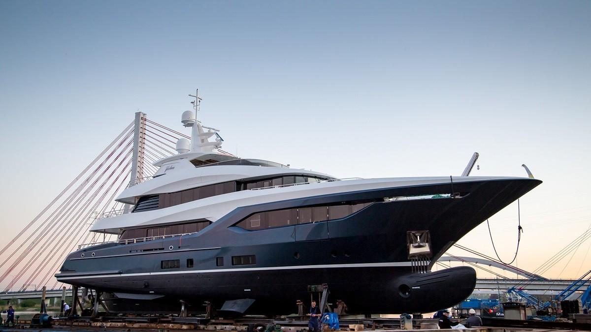 Wędrowiec z Gdańska – największy luksusowy jacht zbudowany w Polsce (foto, wideo)