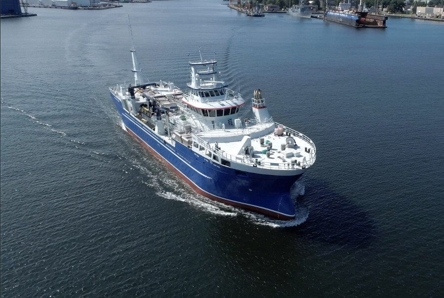 Drugi life fish carrier opuścił stocznie CRIST [foto, wideo]