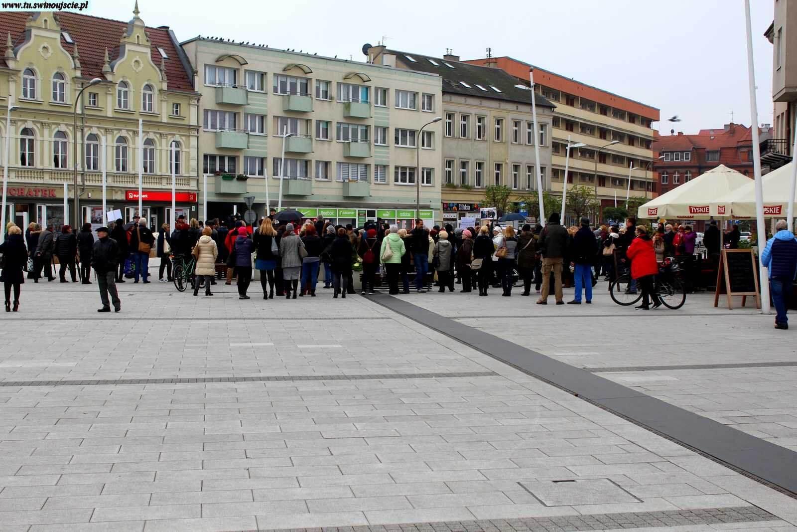 Czarny marsz Świnoujście 24.10.2016 rok