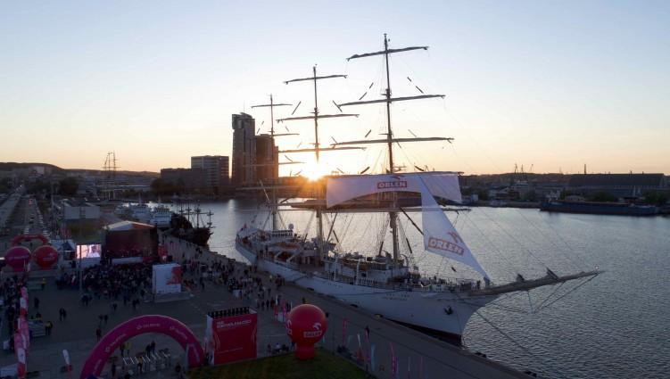 Dar Młodzieży wraca w czwartek do Gdyni z Rejsu Niepodległości