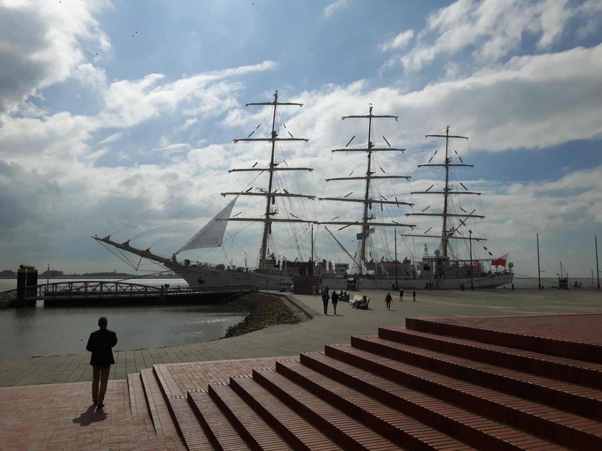 Dar Młodzieży: Pożegnali Bałtyk, wyszli na Wielki Krąg