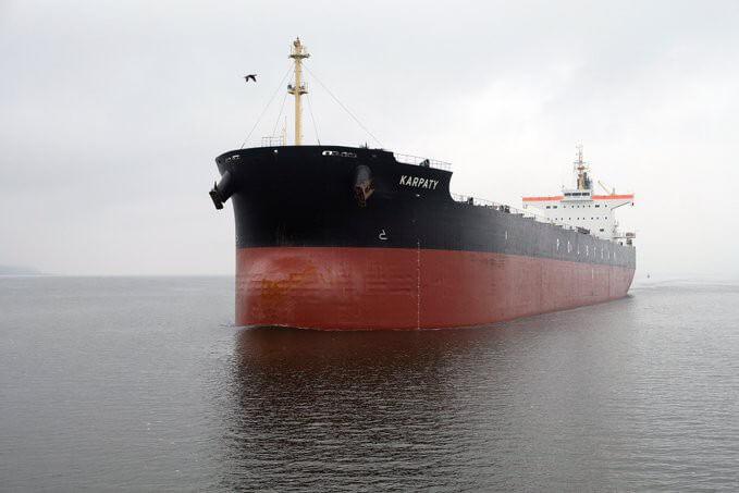 Do Portu Szczecin zawinęły Karpaty, jeden z największych statków PŻM (wideo)