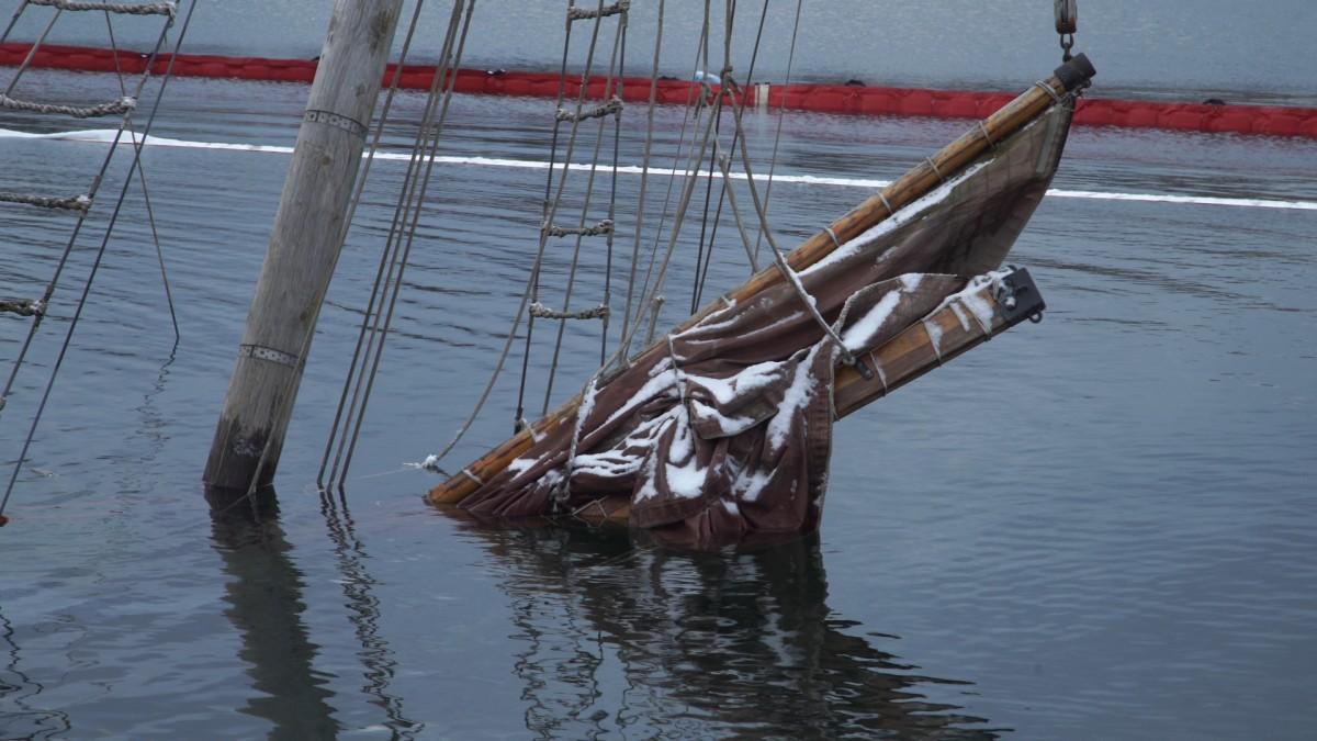 Jacht runął do wody