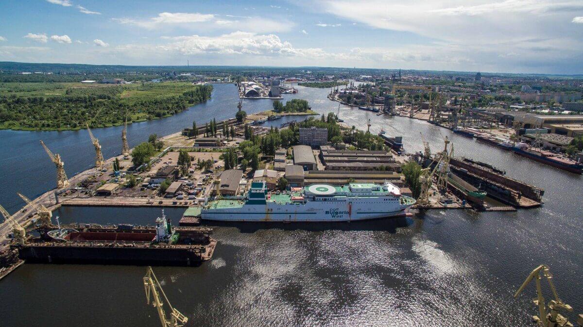 Gryfia rozpoczyna rok z nowymi umowami na remonty 25 statków.