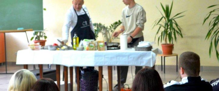Świnoujście. Pokaz kulinarny uczniów Centrum Edukacji Zawodowej i Turystyki