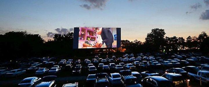 Świnoujście. Kino samochodowe na wyspie.
