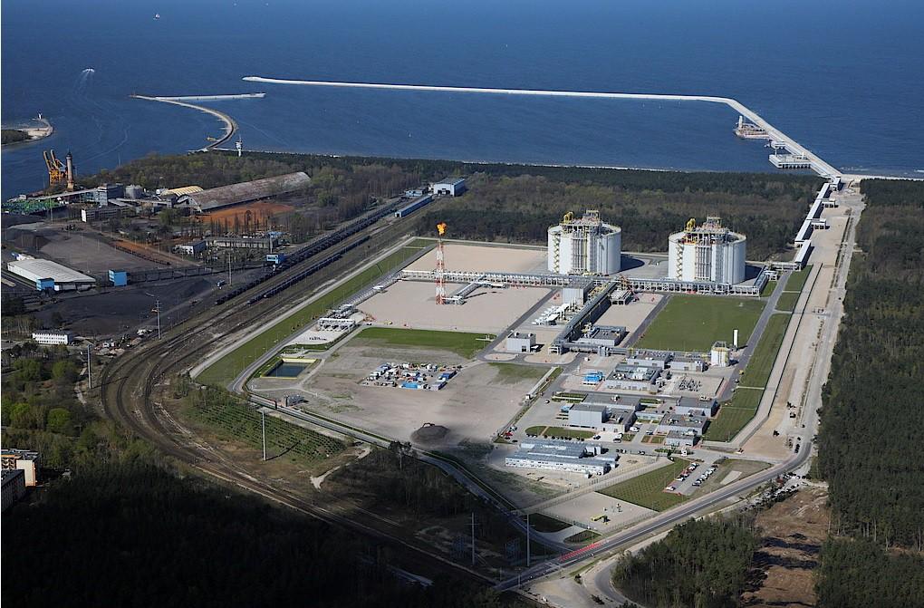 Ze Świnoujścia wyjechało już 4000 autocystern ze skroplonym gazem LNG