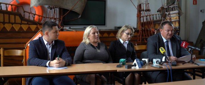"""""""Jeżeli jest piekło na ziemi, to mój mąż tam jest"""". Dramat rodziny aresztowanego polskiego kapitana (foto, wideo)."""