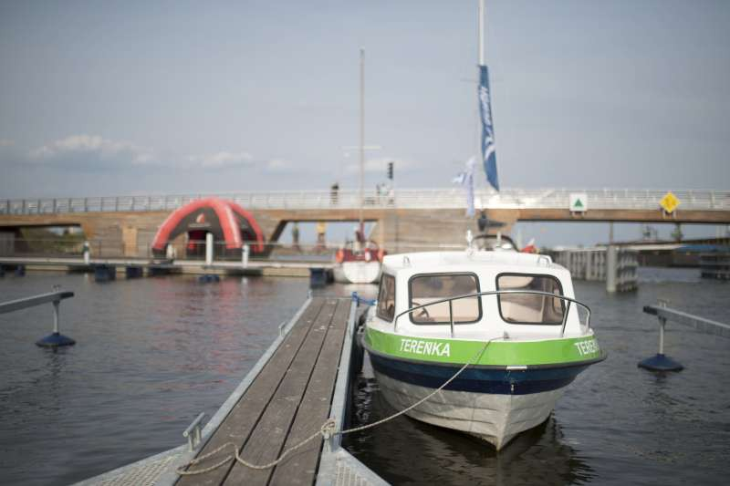 Wakacyjna atrakcja: Szczecin z pokładu motorówki (wideo)