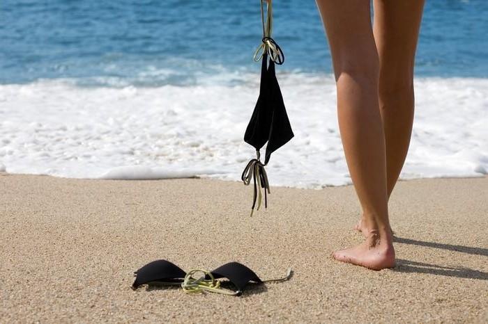 Polacy coraz chętniej odwiedzają plaże dla nudystów