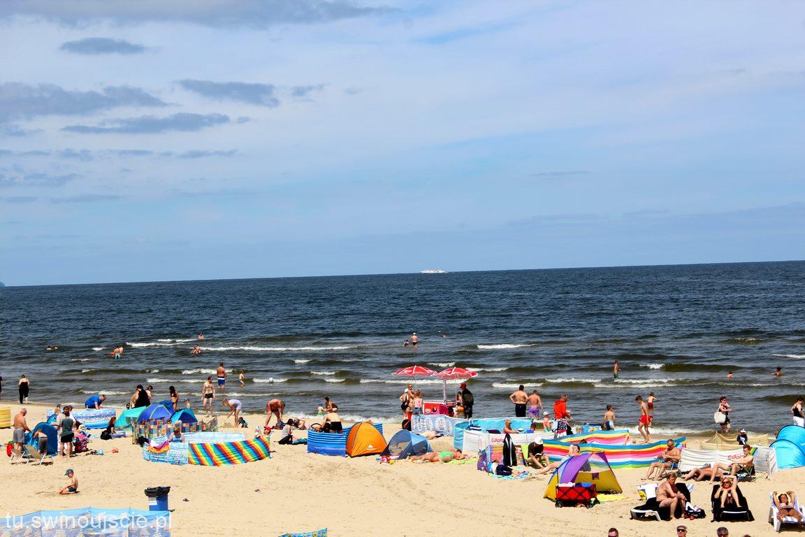 Przy warszowskiej plaży. Świnoujścianie nie płacą za parking