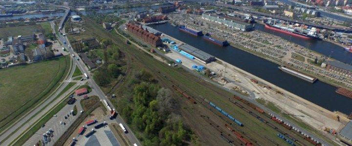 Umowy na poprawę kolejowego dostępu do portów w Szczecinie i Świnoujściu.