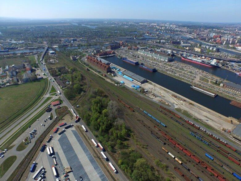 Umowy na poprawę kolejowego dostępu do portów w Szczecinie i Świnoujściu