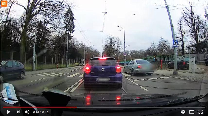 Brak zgody na łamanie przepisów na drogach