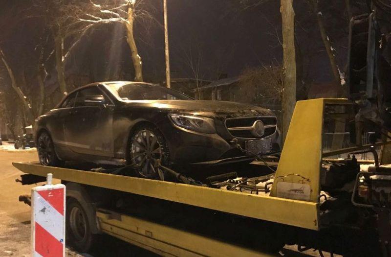 Kryminalni w ciągu kilku godzin odzyskali skradzionego mercedesa