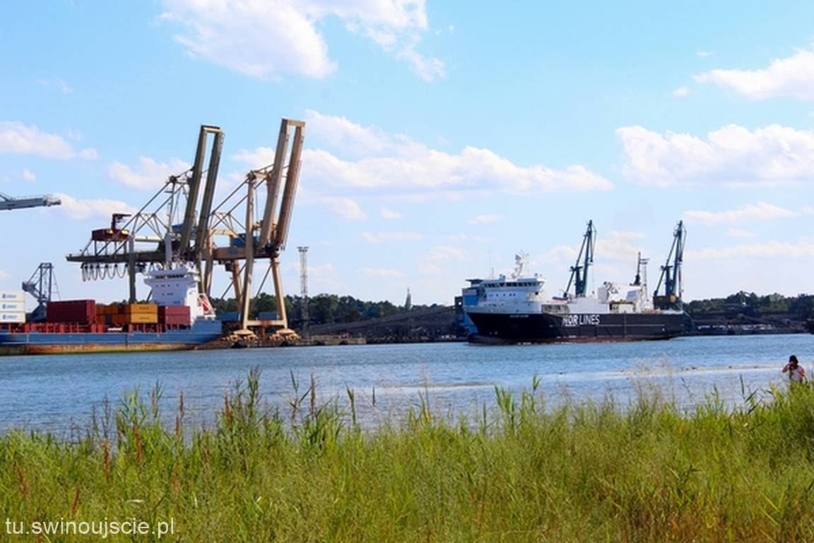 Świnoujście z widokiem na port