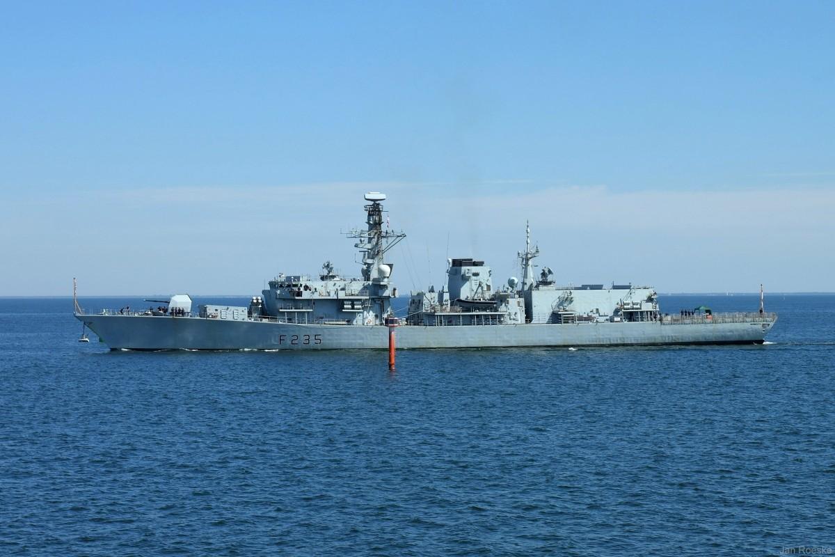 Brytyjska fregata HMS Monmouth w Gdyni (foto)