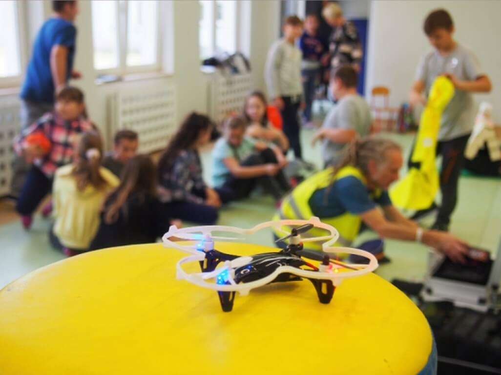 Świnoujście. Ruszyły zapisy! - Bezpłatne zajęcia dla dzieci i młodzieży z mini dronami! GOTOWI DO LOTU - powraca!