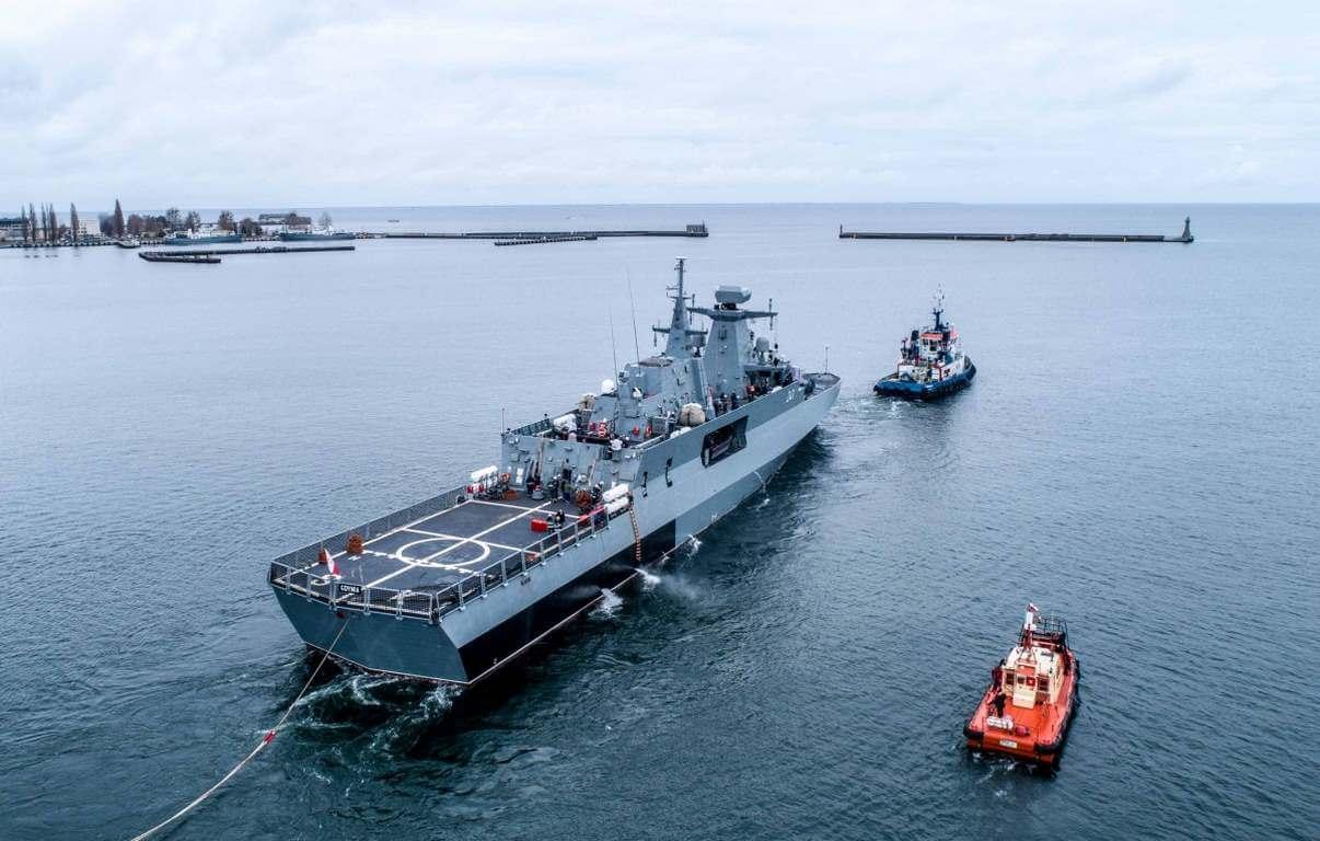 ORP Ślązak po raz pierwszy wyruszył w morze (foto, wideo)