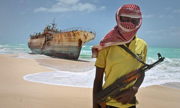 Piractwo lub strefa wojny a uprawnienia marynarzy