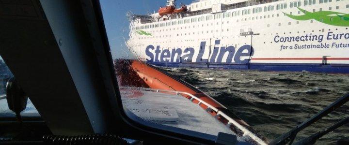 Akcja ratunkowa na Bałtyku. Mężczyzna wypadł z promu.