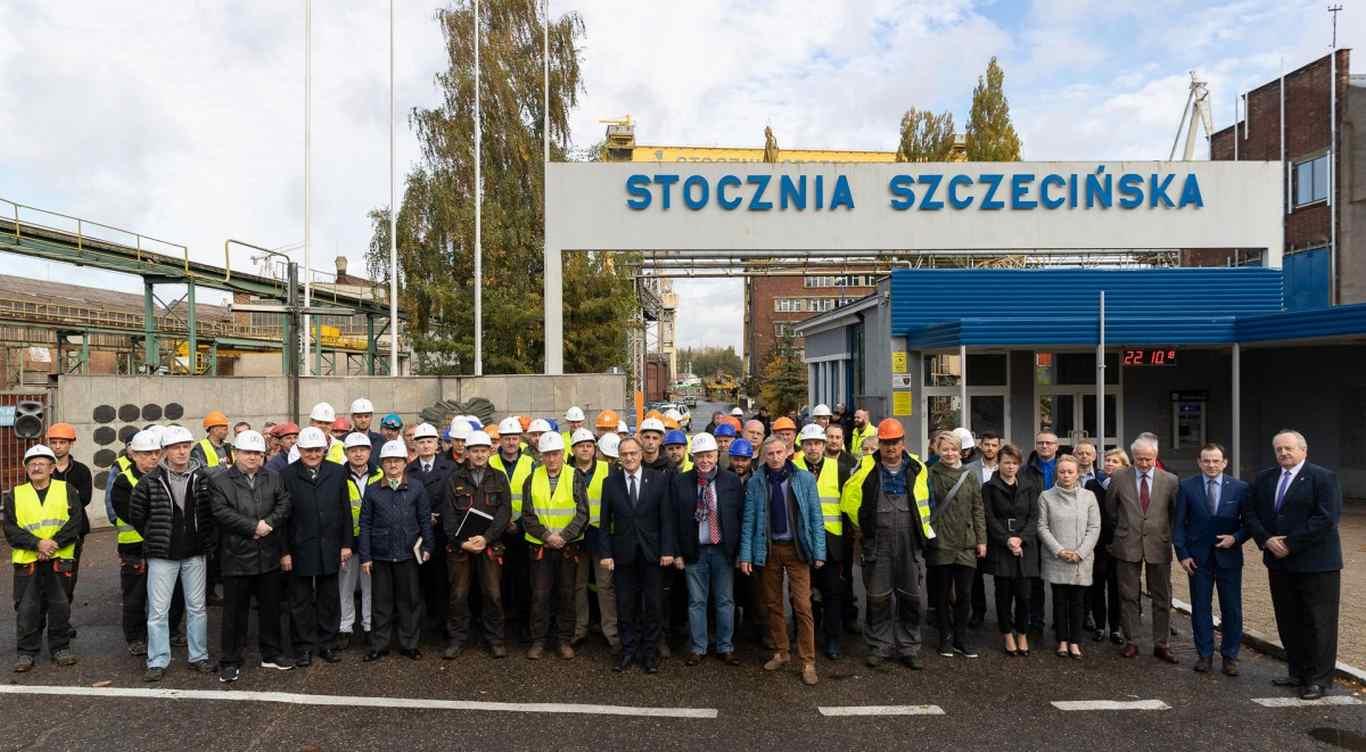 Szczecińscy stoczniowcy świętowali przywrócenie historycznej nazwy (foto)