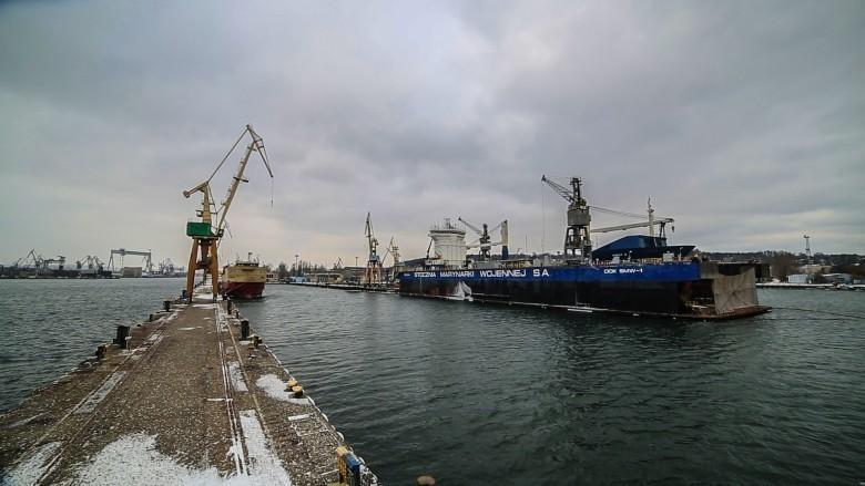 Modernizacja i nowe kontrakty w PGZ Stocznia Wojenna