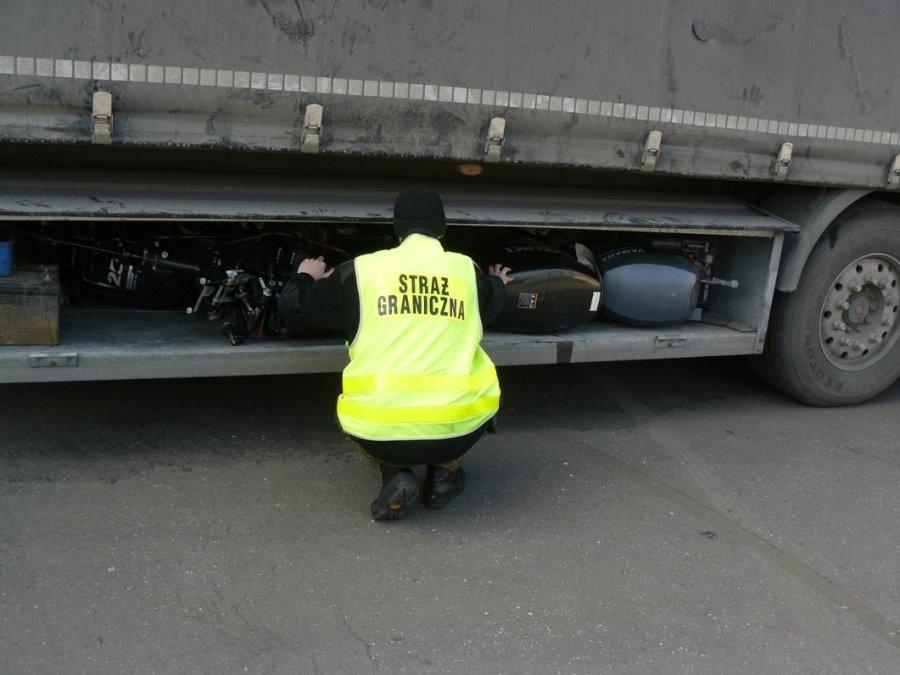 Świnoujście. Kradzione silniki zaburtowe ze Szwecji