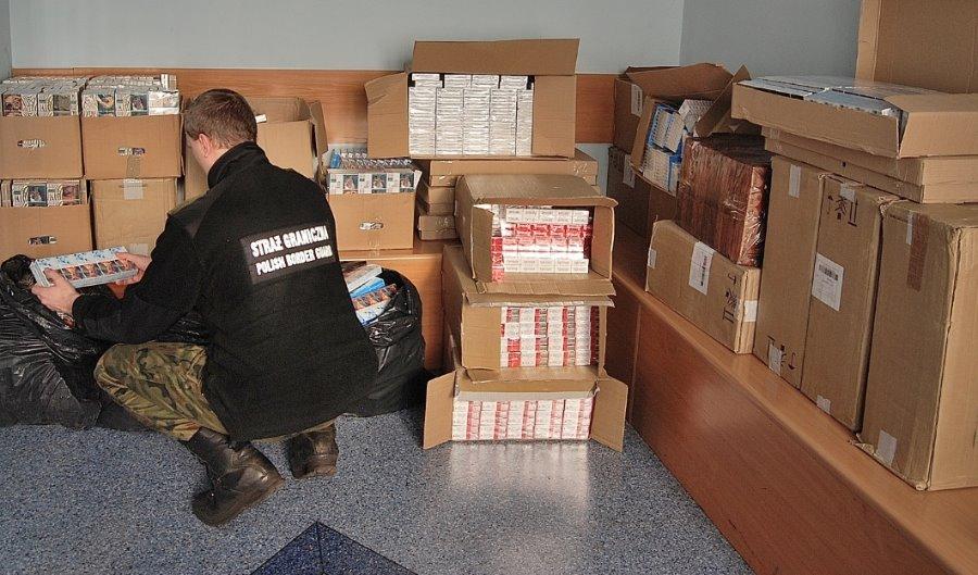 Garaż, a w nim papierosy za ponad 171 tys. zł