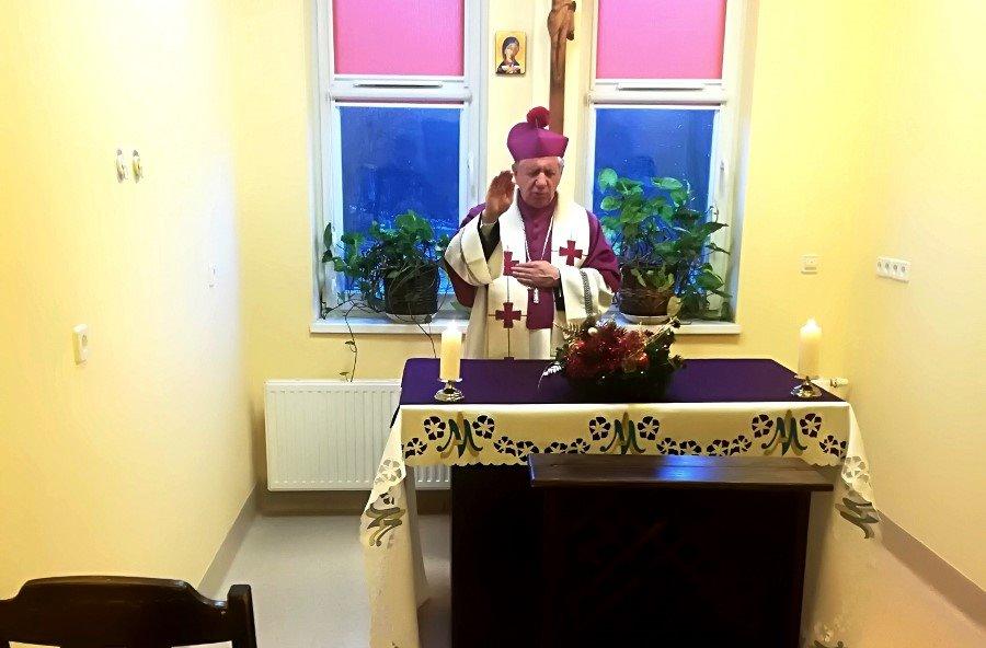 Wizyta  arcybiskupa Andrzeja Dzięgi w Szpitalu Miejskim