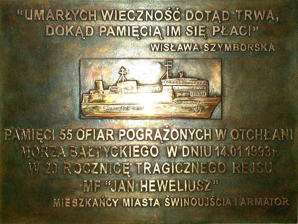 """Uroczystość pamięci ofiar katastrofy promu """"Jan Heweliusz"""""""