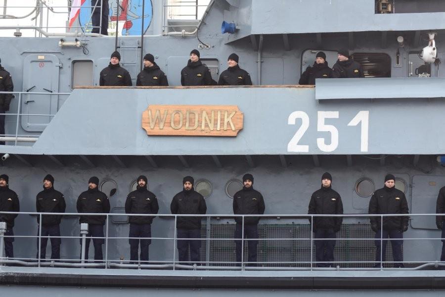 """ORP """"Wodnik"""" wypłynął w rejs po wodach Zatoki Perskiej"""