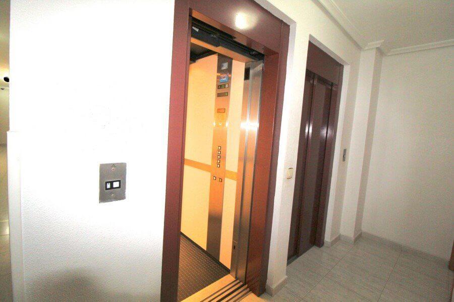 Przestronny apartament w Torrewieja - Hiszpania.